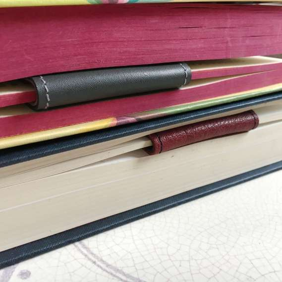 custom_leather_bookmarks_by_Law