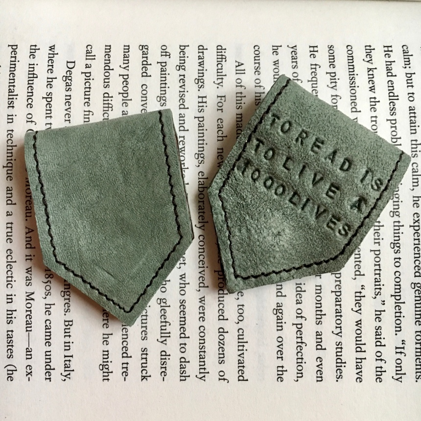 Green_magnetic_bookmark_by_Law
